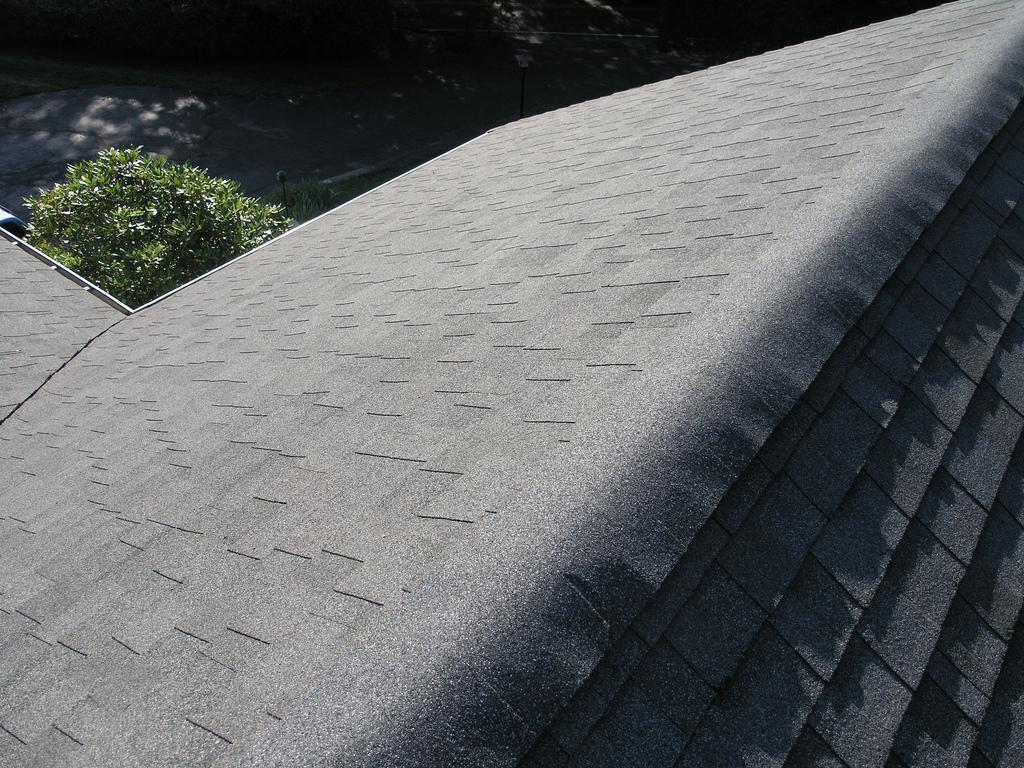 Střecha z asfaltových šindelí