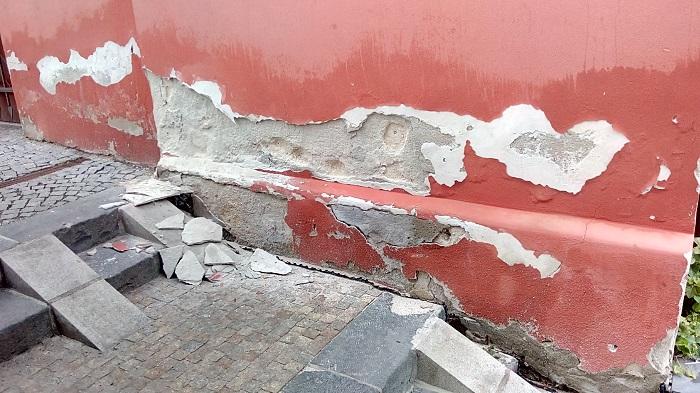 Destruktivní účinky vlhkosti na zdivo