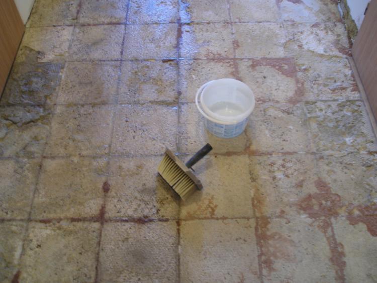 Penetrování betonové podlahy pod dlažbu