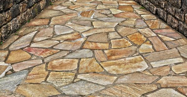 Podlaha z kamene